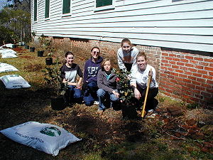 Botany students and the Earth Team landscaping church